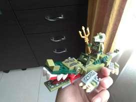 Vendo lego de cocodrilo con un muñeco