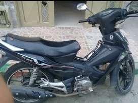 Se vende moto AKT 125