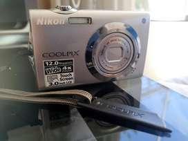 Camara Nikon
