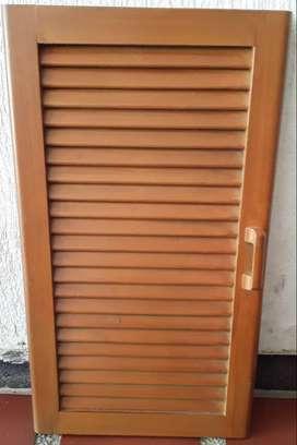 Puertas de madera con rejilla para gabinetes de cocina y puertas de closets