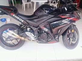 Motocicleta YZF R3