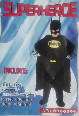 Disfraz de Batman y disfraz de Vegeta Dragon Ball Z, en muy buen estado