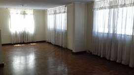 Renta / alquiler amplio departamento 3 dormitorios en la Urb. El condado / norte de Quito
