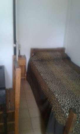 Habitacion Individual aSra 50 a 65 año x Tareas Domest.yPequeño Sueldo Caballito