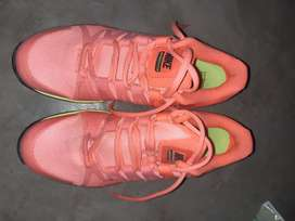 Venta de zapatilla nike air zoom vapor tour 9.5 color naranja