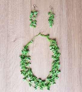 Collar + Aretes (Verde Esmeralda)