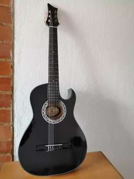 Guitarra acústica nueva