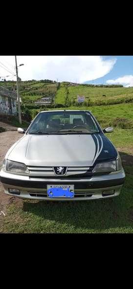 Vendo Peugeot berlina 305