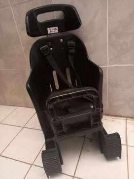 Silla para chicos porta equipaje.
