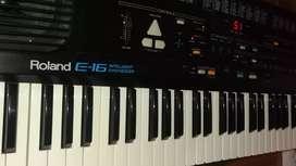 Piano Roland sintetizer