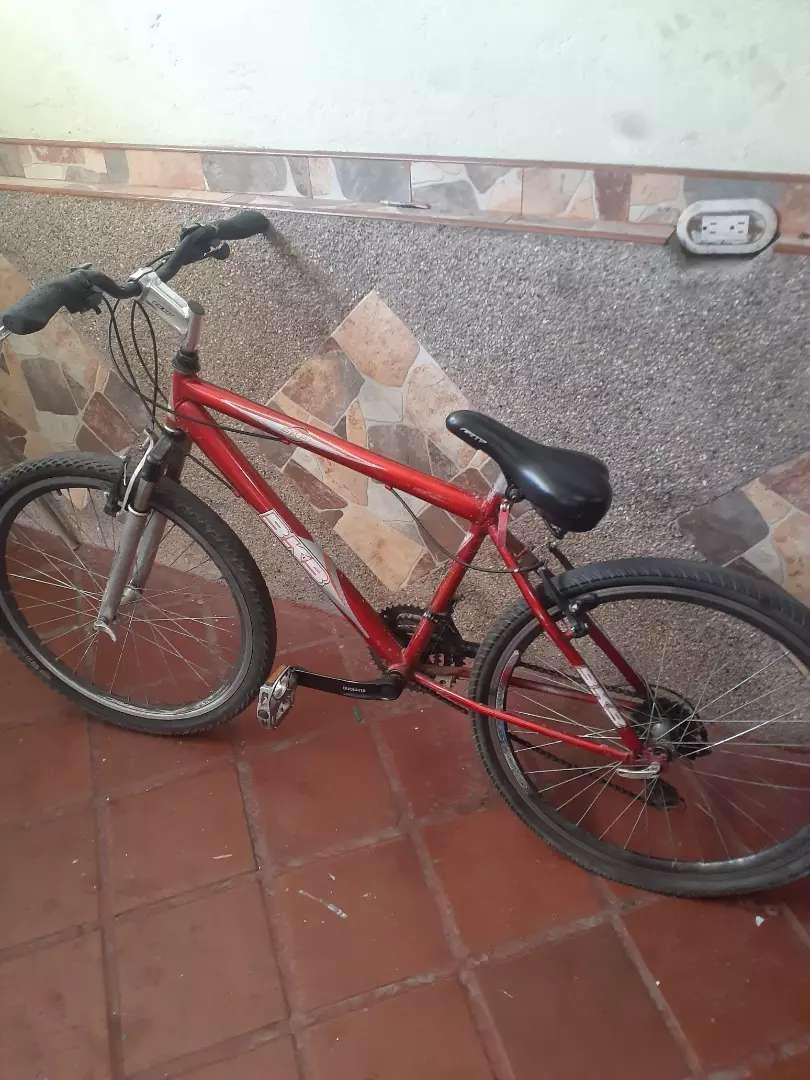 Bicicleta de montaña rin 26 roja 0