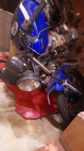 Vendo Zanella 150cc chocada
