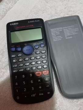 Calculadora casio fx-82 ES PLUS.