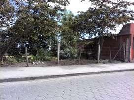 Terreno estratégico en el Ejido de Caranqui para construcción comercial o viviendas