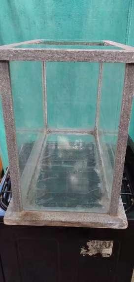 Pecera  base de mármol