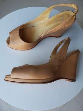 Zapatos beige Petite Maison