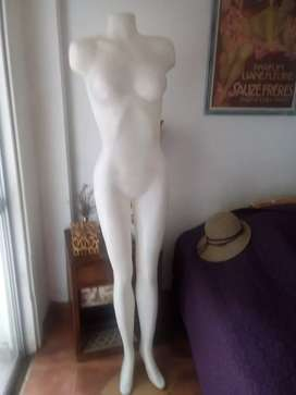 Maniquí para ropa de mujer