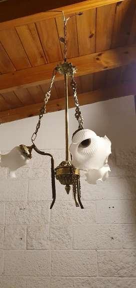 Vendo lampara antigua de estilo colgante de bronce