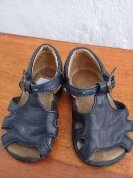 sandalia de cuero nro. 20