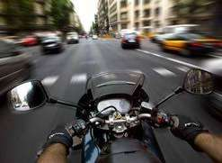 se busca cadetes en moto