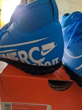 Nike Kids' Mercurial Superfly 7 Club Turf Soccer (Nuevo)