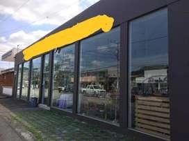 Venta de Local Comercial en Urdesa
