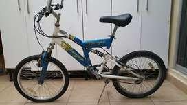 Bicicleta Montero, precio negociable.