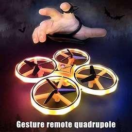 Mini Drone Starmood CUATRO HELICES Sensor de Gravedad  Mini Drone Neumático con Iluminación LED