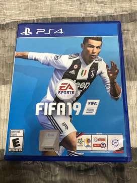 Se vende FIFA 19 juego para play station 4