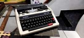 Máquina de escribir SANKEY Corporation Modelo 2000