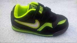 Zapatilla de Niño Nike Negro*Verde