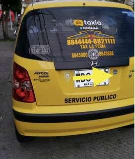 Se vende o permuta taxi en muy buen estado; cupo Taxi la Feria.