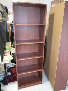 Biblioteca estudio 60cm x 30cm x 1.80m