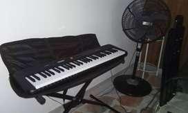 Vendo de piano.