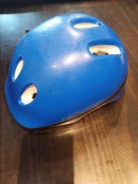 Vendo casco para niño/a .$800