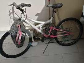 Hermosa bicicleta VERTICAL en excelente estado
