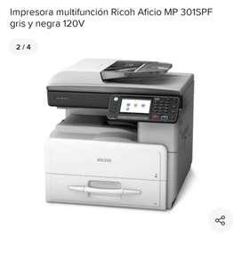 Impresora multifuncional Ricoh oficio SPF gris y negra como nueva dos meses de uso