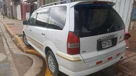 Mitsubishi Grandis 2002