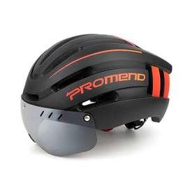 Casco para ciclismo In-pro ultraligero ideal para todo tipo de terreno, clima y estilo, cuenta con visor y luz trasera