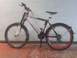 Vendo bicicleta todo terreno marca Zahara, rin 26