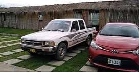 Vendo camioneta TOYOTA Hilux 2L 4x2
