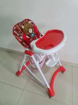 Silla comedor para bebe / Marca BEBESIT
