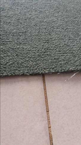 vendo 5 rollos de alfombras 2 x4 usadas pero impecables