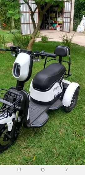 Vendo triciclo electrico master poggi