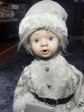 Muñeco navidad musical con cara y manos de porcelana