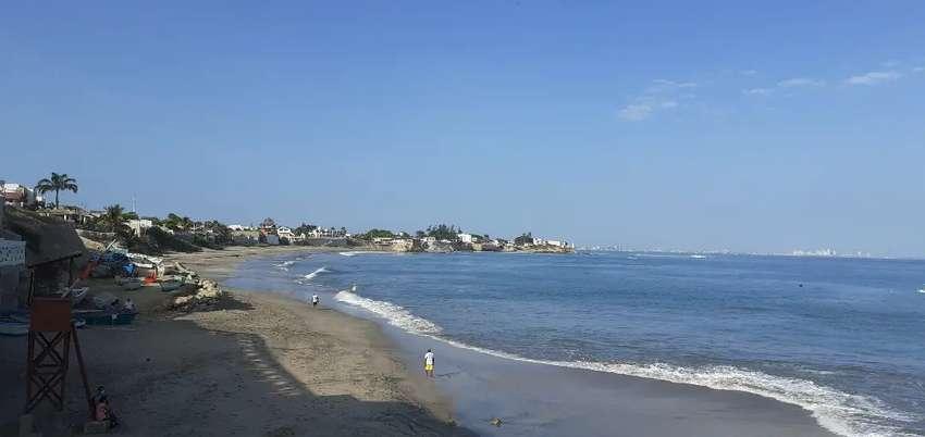 En Santa Elena Ballenita venta de terreno con vista al mar