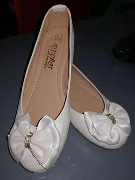 Vendo baletas y sandalia niñas