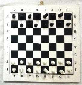 Juego de Ajedrez tablero de Madera de 25 x 25 cm fichas plásticas económico