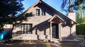 Manzano Histórico, Alquilo Hermosa Casa con en Arroyo en patio