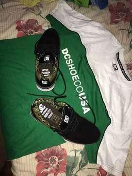 Zapatos DC y camiseta DC